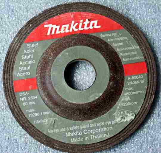 A depressed centre abrasive disk
