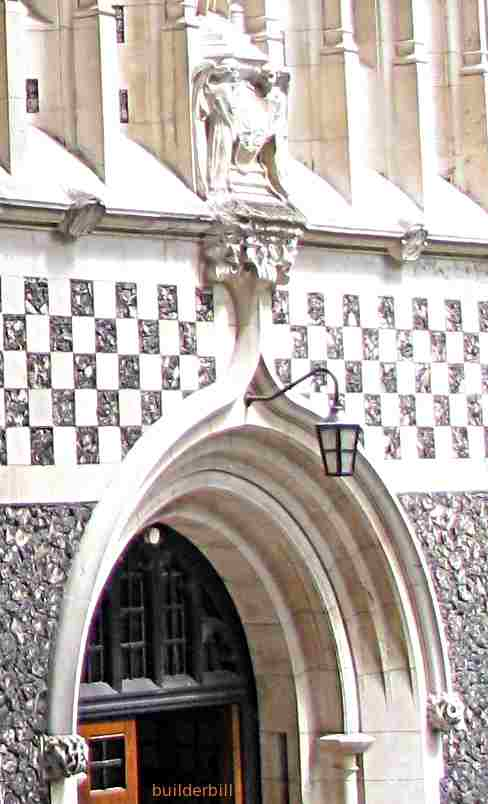 an accolade arch St. Barttholemew the Great