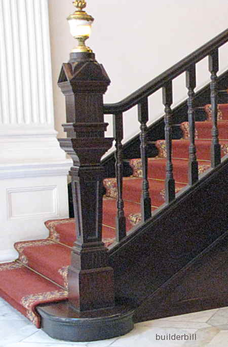 newel post.