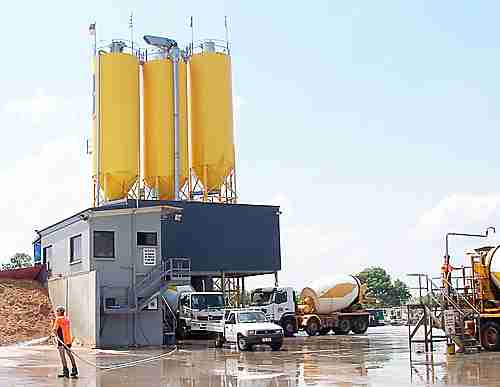 concrete batching plant for ready-mix concrete trucks