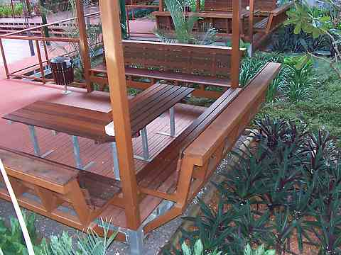 decks with seats built in
