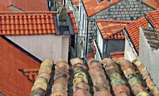 clay roof tiles in Dubrovnik