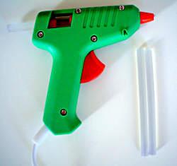 A small hobby style glue gun