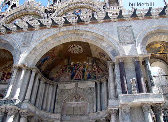 medieval masonry work in doges palace venice