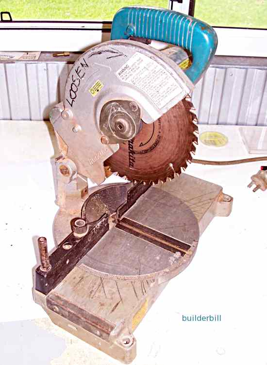 a small power mitre saw