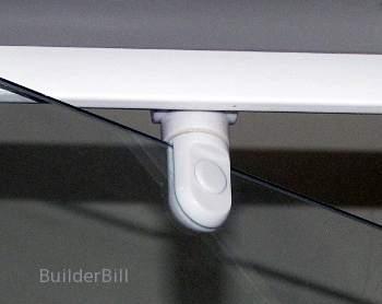 pivot hinge for a showerscreen door
