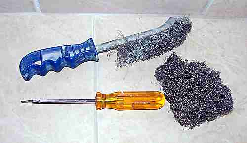 Stainless steel wire brush and scourer