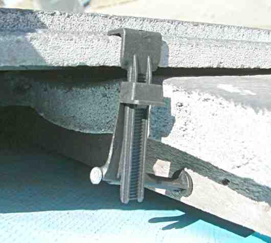 roofing tile fastener